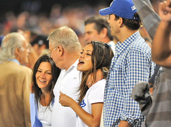 Mila Kunis, Ashton Kutcher, Parents