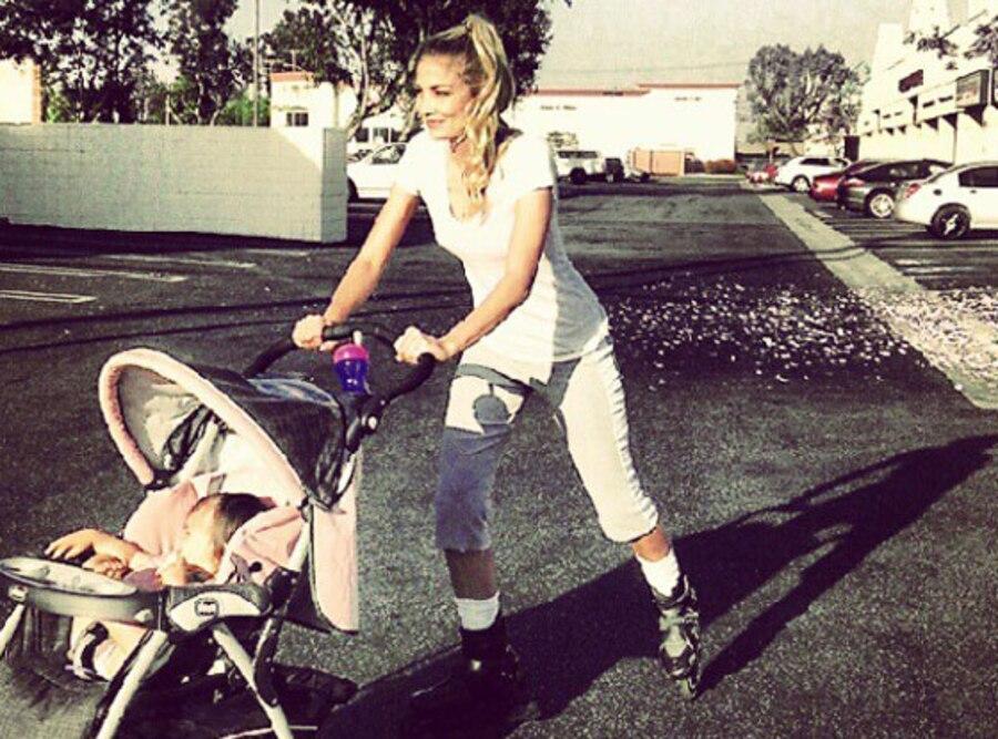 Megan Rossee, Twit Pic