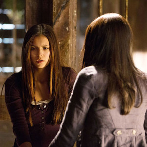 Nina Dobrev, Kat Graham, The Vampire Diaries