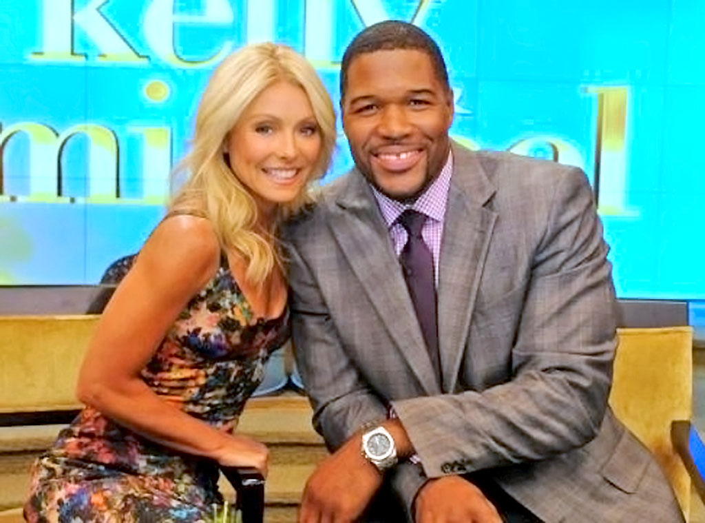 kelly ripa and michael strahan are back to business as. Black Bedroom Furniture Sets. Home Design Ideas