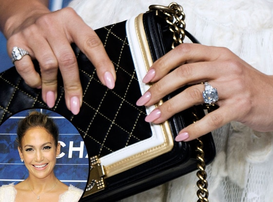 Check Out Jennifer Lopez's Monstrous Diamond Ring That ...