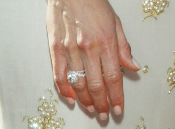 jennifer aniston brad pitt rings - Jennifer Aniston Wedding Ring