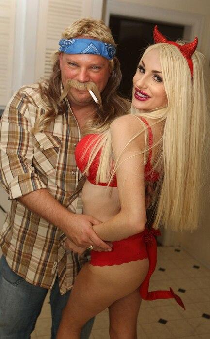 Courtney Stodden, Jim Strzalkowski, Halloween