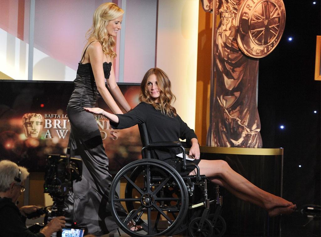 Julia Roberts Goes Barefoot At The Bafta Britannia Awards