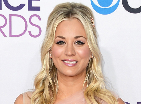 Kaley Cuoco, 39th Annual People's Choice Awards Arrivals