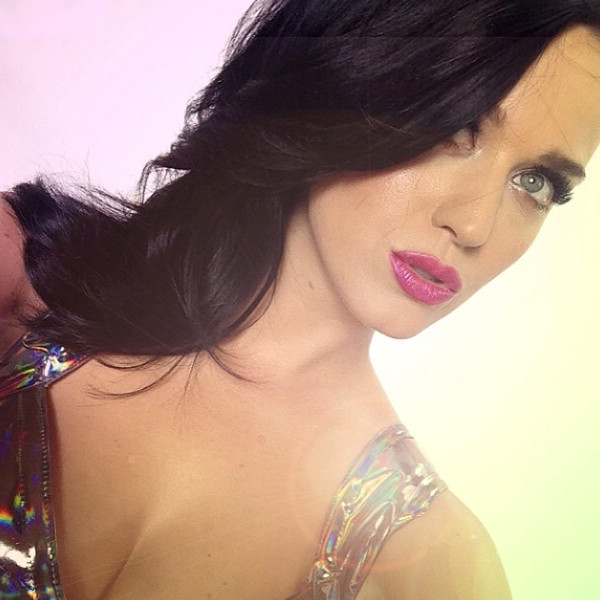 Katy Perry, CoverGirl, Instagram