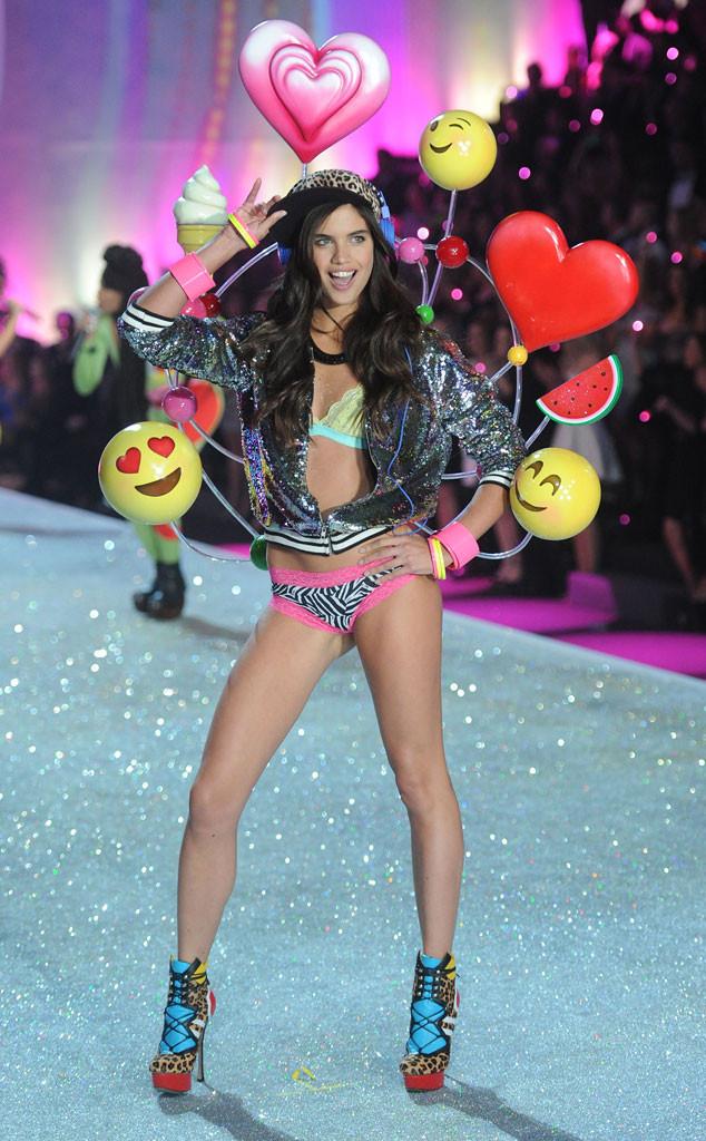 Sara Sampaio, Victoria's Secret Fashion Show