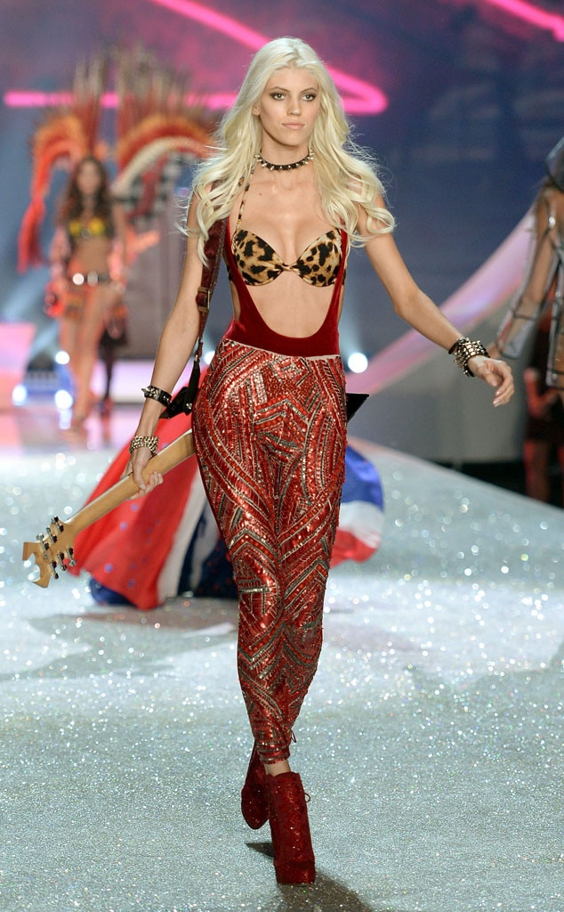 Devon Windsor, Victoria's Secret Fashion Show