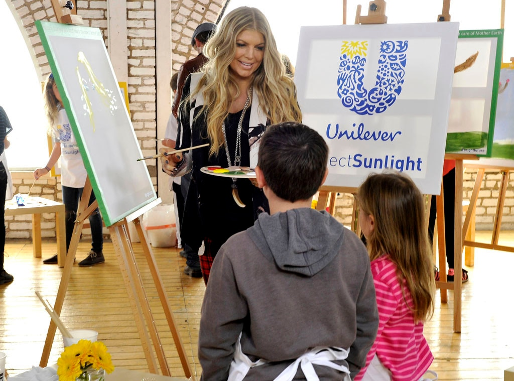 Fergie, Unilever's Project Sunlight, Universal Children's Day