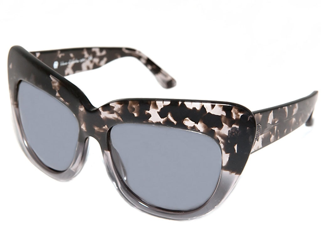 Nicole Richie Pinterest Gift Guide, House of Harlow Chelsea Sunglasses