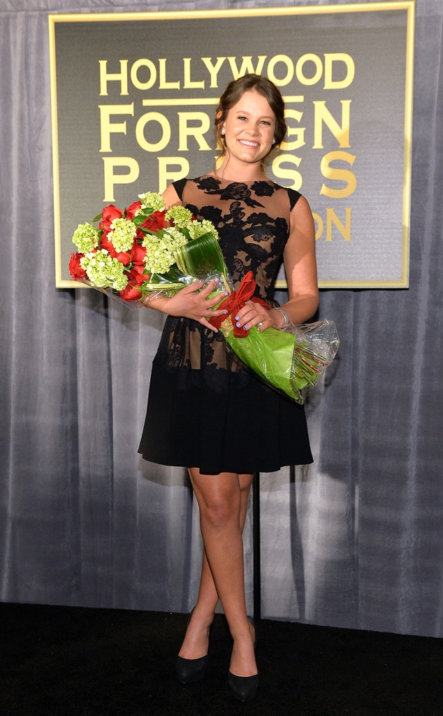 sosie bacon named miss golden globe 2014 5 things to know
