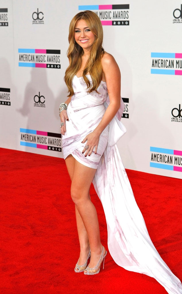 Miley Cyrus, 2010 AMERICAN MUSIC AWARDS