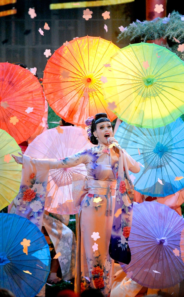 Katy Perry, 2013 American Music Awards Performances