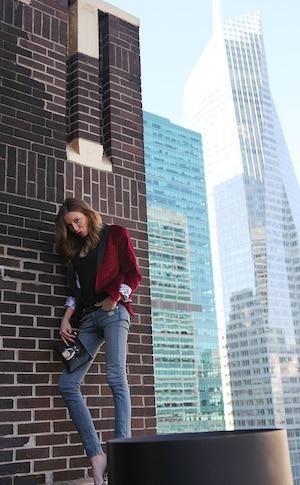 Katie Cassidy, Arrow, CW, Celebrity Hotel Visit
