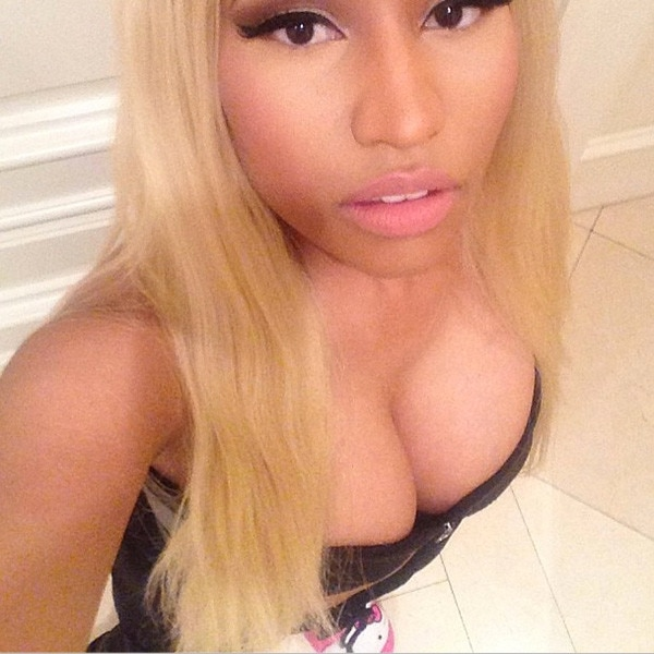 Nicki Minaj, Instagram, Hello Kitty Slippers