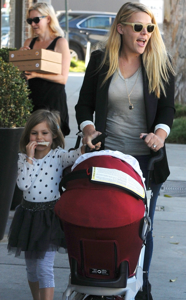 Busy Philipps, Birdie, Cricket