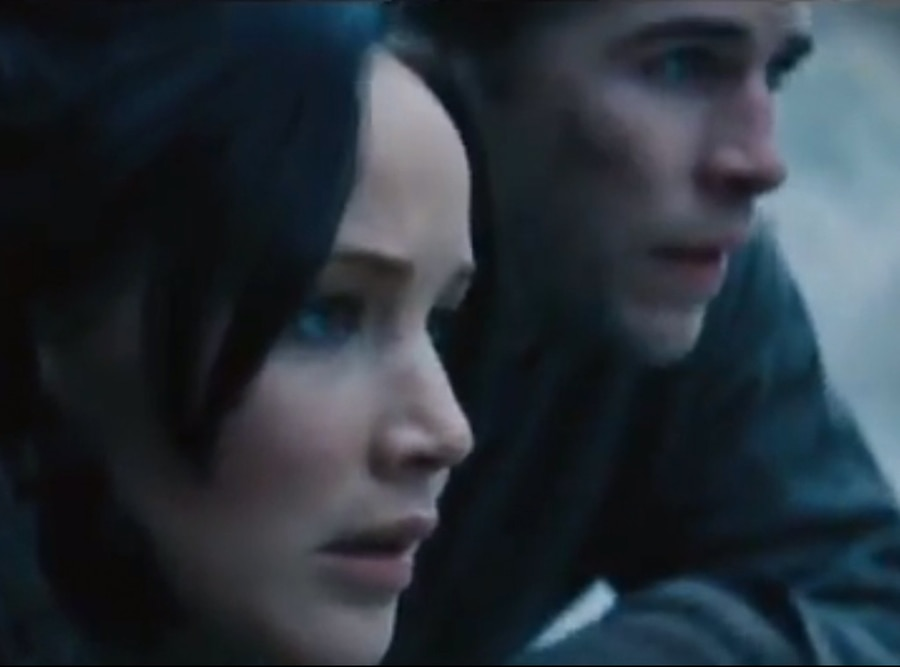 Jennifer Lawrence, Liam Hemsworth, Catching Fire