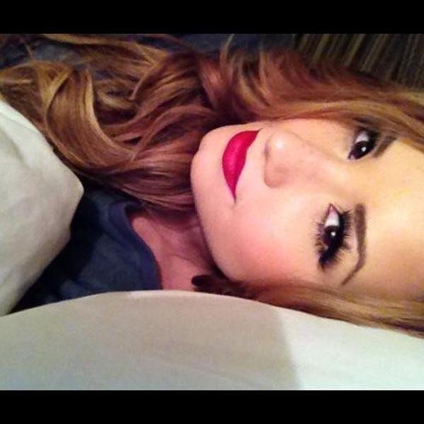 Demi Lovato, sleeping