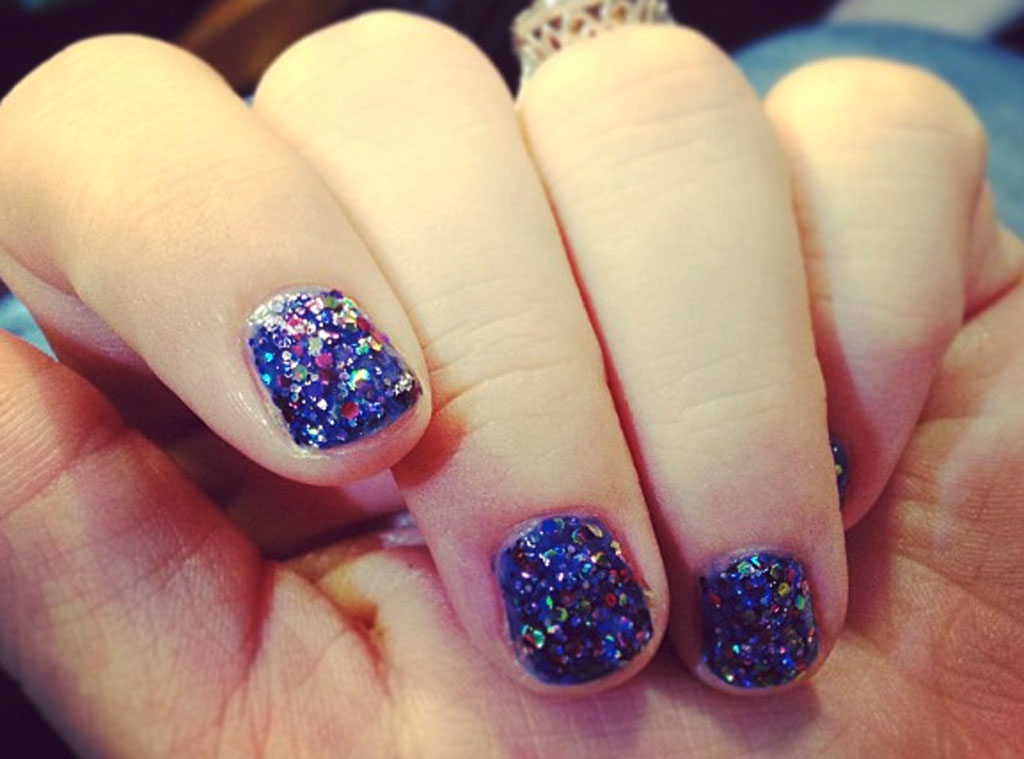 Kelly Clarkson, Nails, Twit Pic