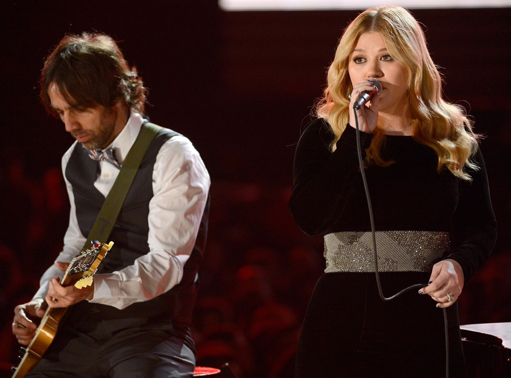 Kelly Clarkson, Grammys, Performance