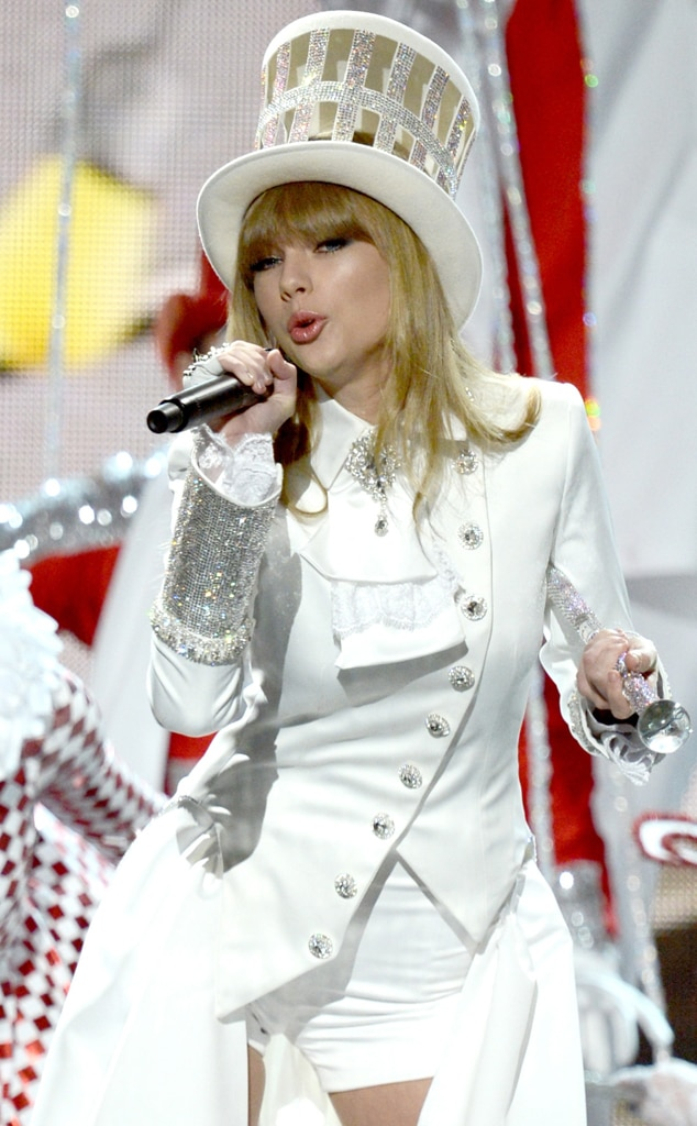 Taylor Swift 2013 From Unforgettable Grammy Costumes E