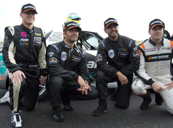 Roger Rodas, Paul Walker, Facebook