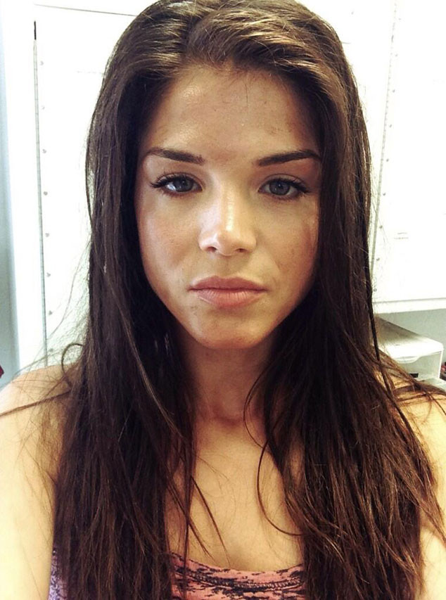 Marie Avgeropoulos, Twitter