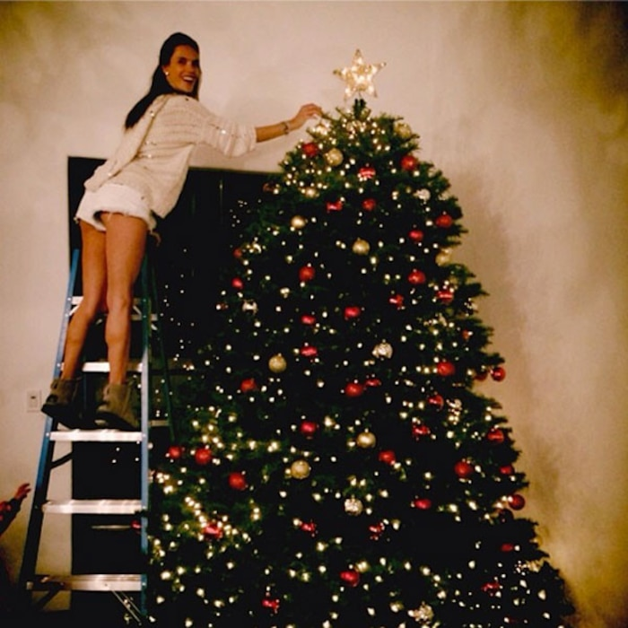Alessandra Ambrosio, Instagram, Christmas Tree