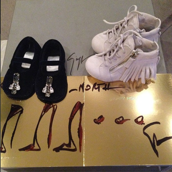 Kim Kardashian, Kanye West, North West, Christmas Presents, Instagram