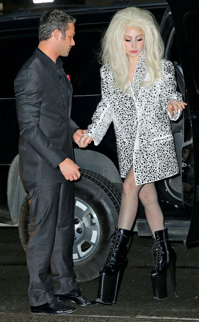 Lady gaga dating chicago fire star