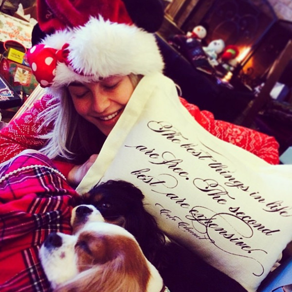 Julianne Hough, Christmas Instagram
