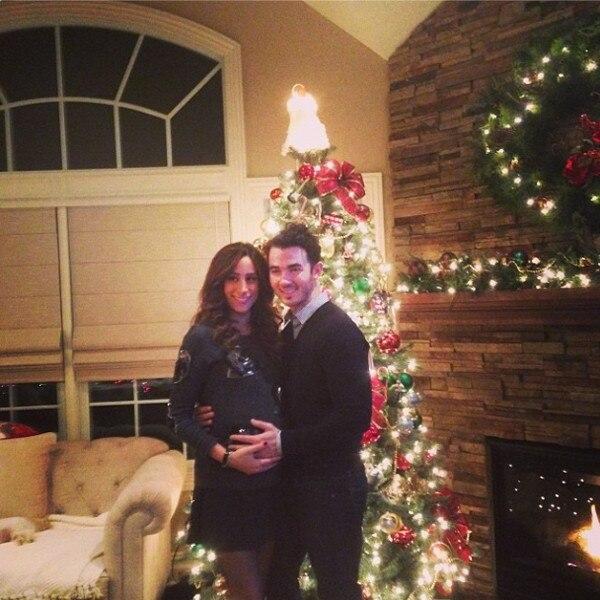 Kevin Jonas, Dani Jonas, Christmas Instagram