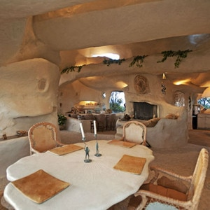 Dick Clark 39 S Flintstones Inspired Estate Price Slashed On