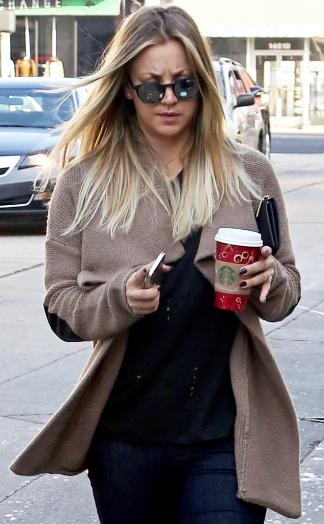 Kaley Cuoco, Starbucks Holiday Red Cups