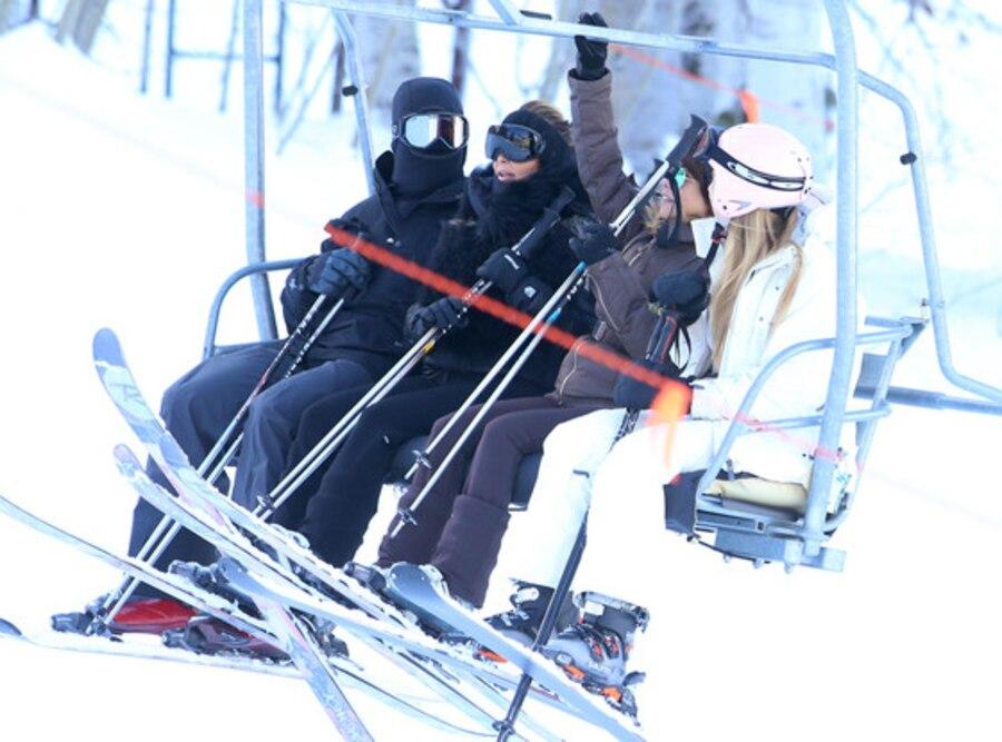 Kim Kardashian, Kourtney Kardashian, Skiing