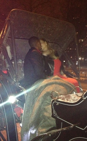Mariah Carey, Nick Cannon, Carriage Kiss