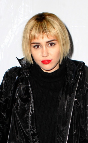 Super Miley Cyrus Debuts Short Bob Hairstylesee The Pics E News Short Hairstyles For Black Women Fulllsitofus