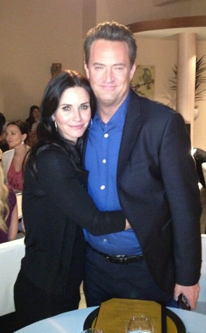 Courteney Cox, Matthew Perry, Twitter