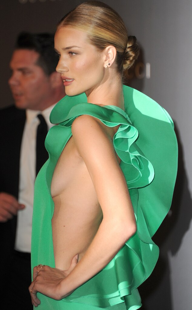 Rosie Huntington-Whiteley, Side boob