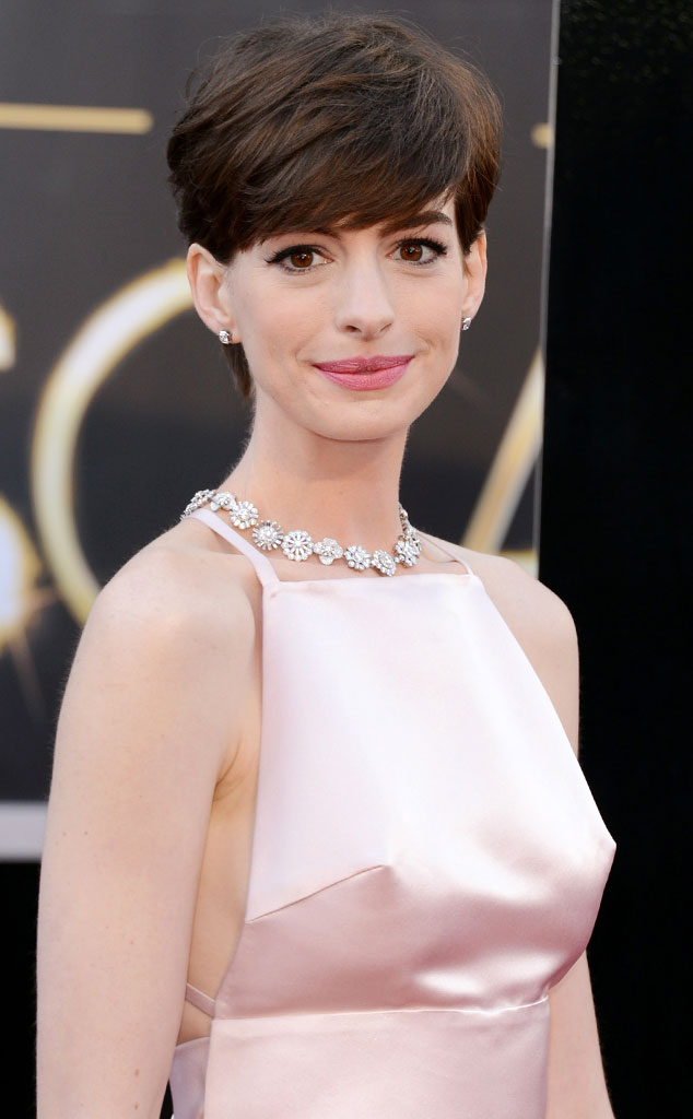 Anne Hathaway Poses Topless For Harper S Bazaar Recalls 2013 Oscar Dress Drama My Husband Said Your Nipples Look Pointy on robert de niro oscars