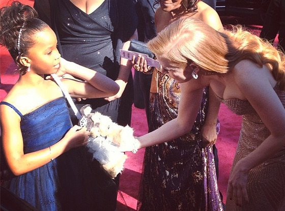 Twit Pic, Oscars 2013, Quvenzhane Wallis, Jessica Chastain