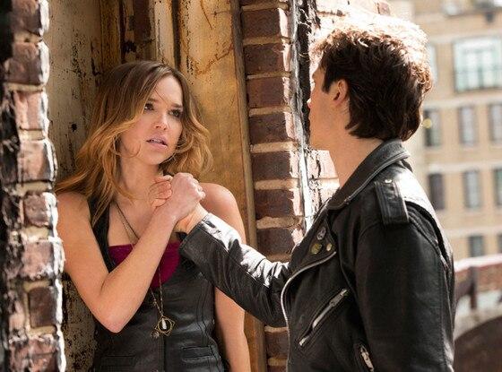 Ian Somerhalder, Arielle Kebbel, The Vampire Diaries