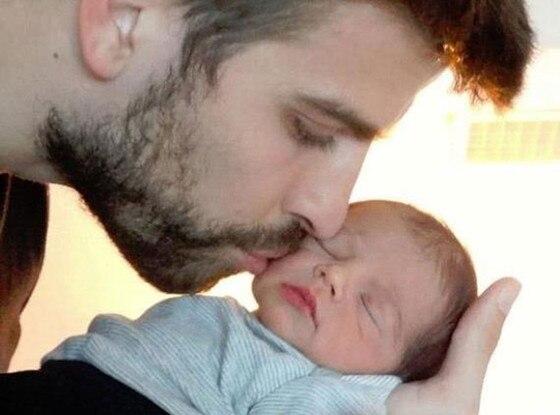 Gerard Pique, Milan Pique Mebarak, Shakira Twit Pic