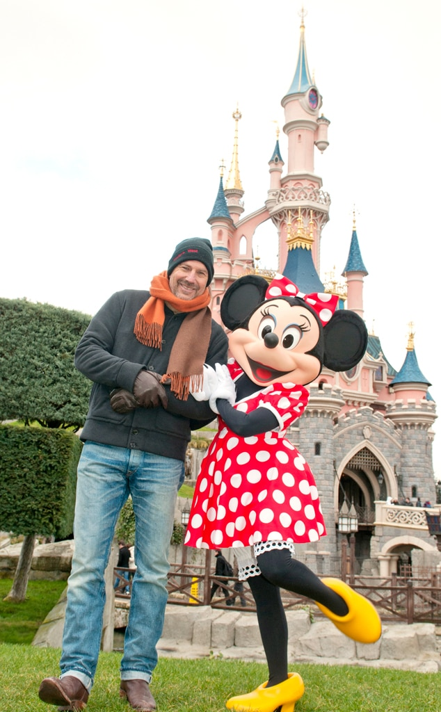 Kevin Costner, Minnie Mouse