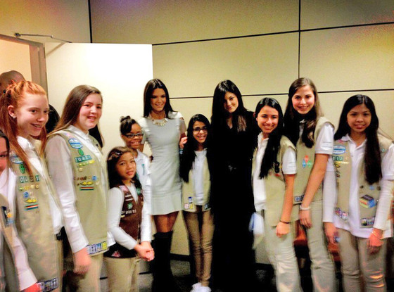Kendall Jenner, Kylie Jenner, Girl Scouts Twit Pic