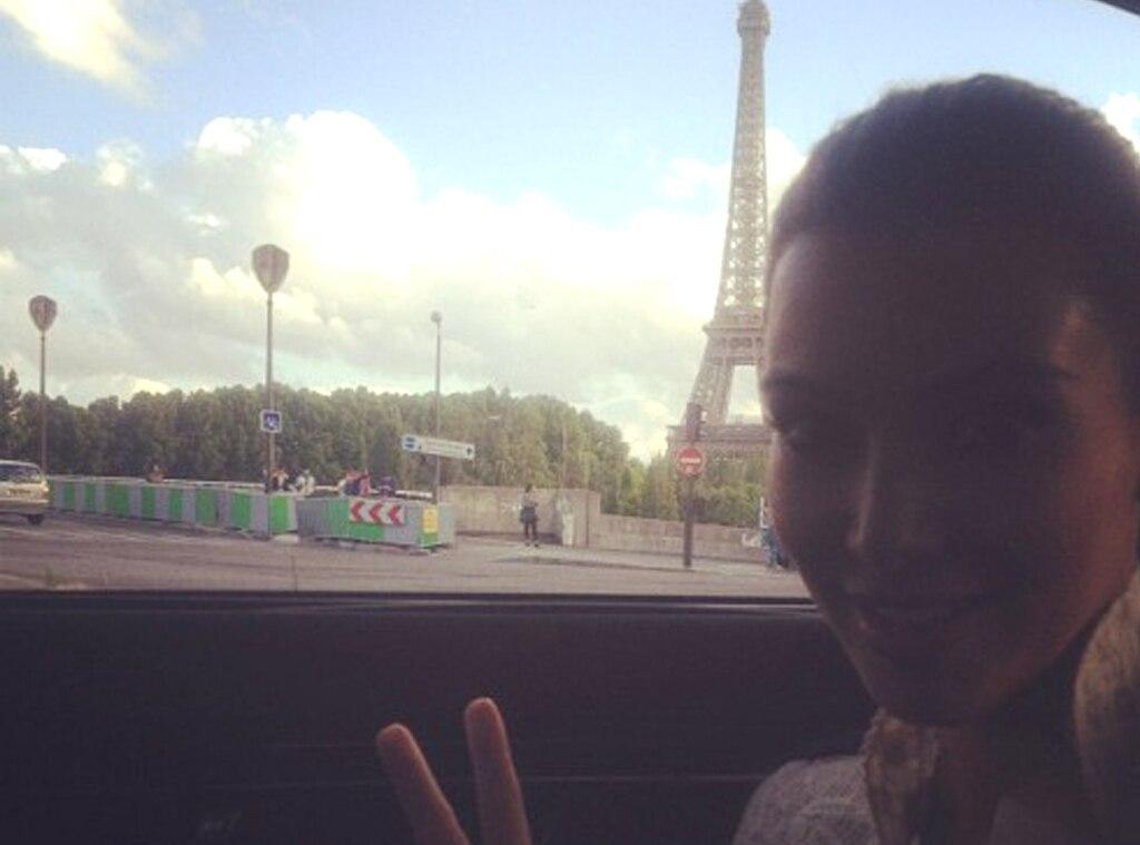 Kim Kardashian, Instagram, Eiffel Tower