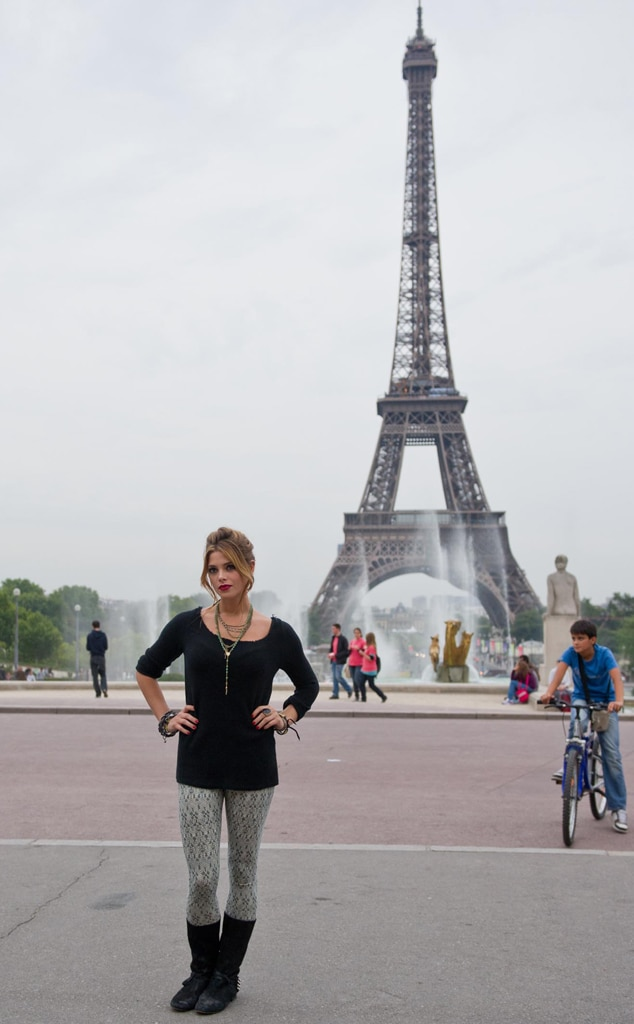 Ashley Greene, Eiffel Tower