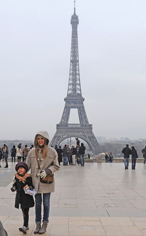Jessica Alba, Honor, Eiffel Tower