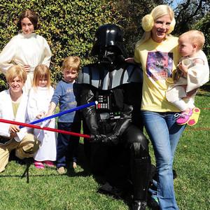 Tori Spelling, Liam, Stella, Hattie, Finn, Star Wars