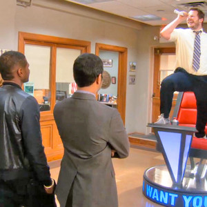 Usher Gets Voice Lessons As Parks And Rec Staff Take The